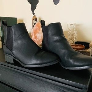 Black Boots - American Eagle - Size 8